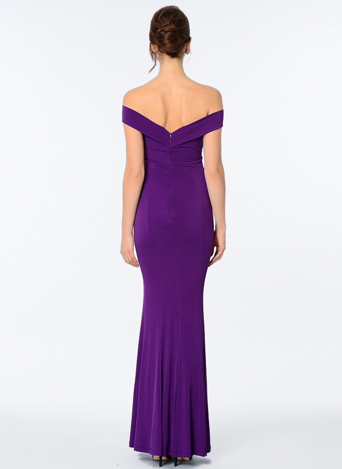 Mor elbise, kıyafet, ayakkabı ve takı modelleri